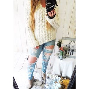 Vintage chunky cream knit sweater 🍁